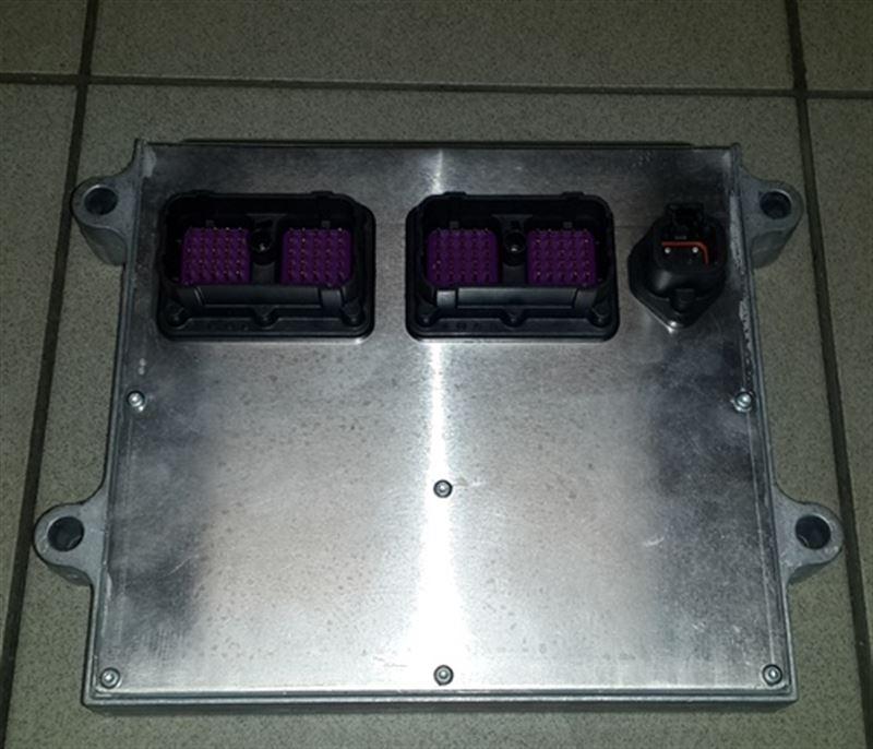 D4943133 Блок управления двигателем (C4988820)